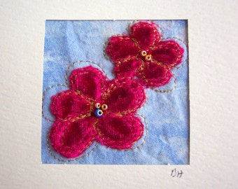 Card 2 cute appliqued red velvet flowers