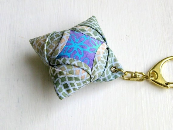 Keyring keychain folded patchwork origami olive green