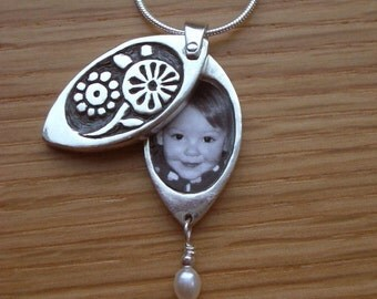 Posies Flower Photo Locket Sterling Silver for Moms, Grandmothers, Sisters or Daughters Ready to ship