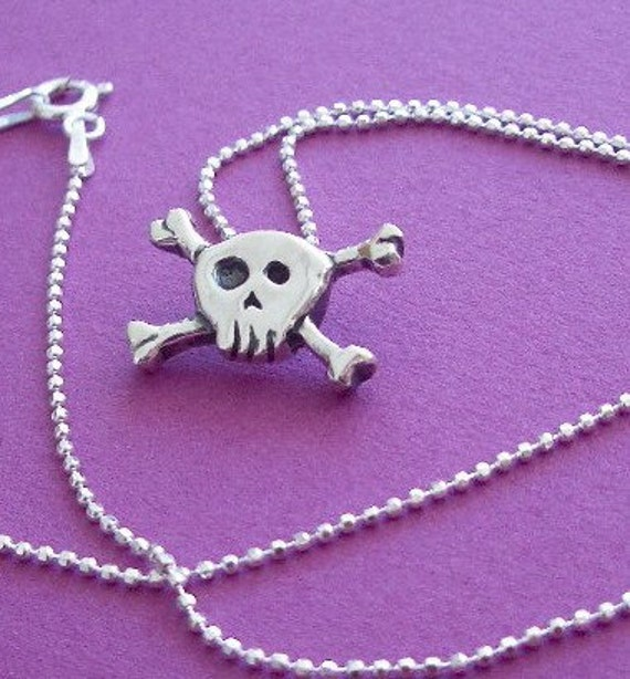 Skull & Crossbones Necklace PIRATE GIRL