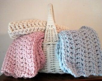 Newborn Layering Blanket, Mini Baby Prop Blanket, Baby Basket Stuffer, Chunky Mini Baby Blanket, Baby Basket Prop, Infant Baby Basket Filler