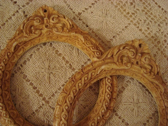 Vintage Shabby Ornate Carved Pr Frames/Tie Backs Cottage