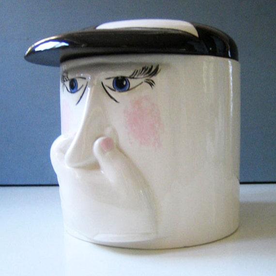 Stinky Face. Vintage 1970s Klay Kraft toilet roll holder.