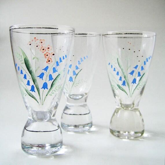 Mid century barware floral shot glasses, 1950s set of three.
