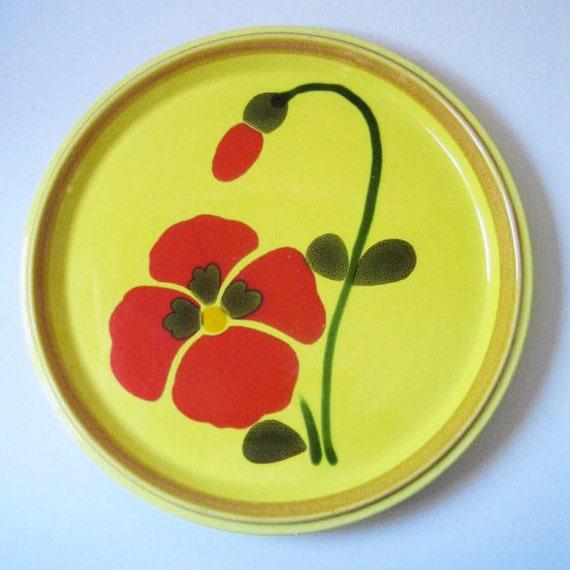 Poppies. Mikasa dinner plate, 1970s.