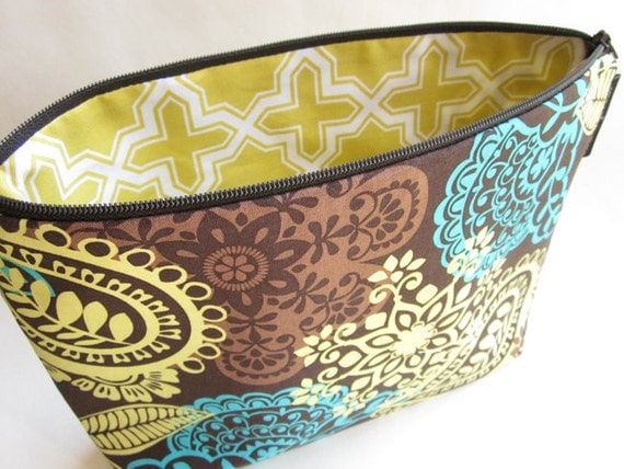 ITEM of the WEEK - Cocoa Frieda Frill - Large Cosmetic Bag