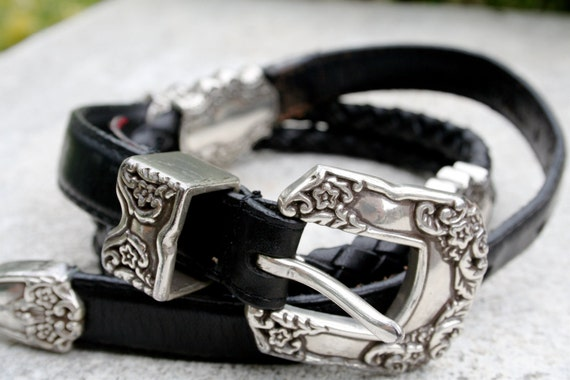 WOOLRICH Vintage black leather belt with silver accents and silver buckle - size small  - ladies