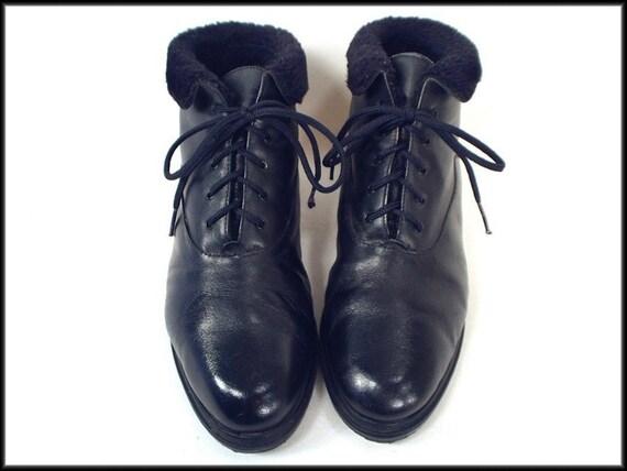 80's vintage BLACK lace up fleece-cuff ankle boots 7
