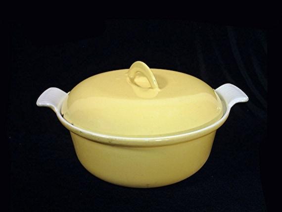 Descoware vintage YELLOW casserole dutch oven pot