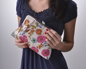 Classic Girl Sweetheart/ Bridal Clutch/ Bridesmaids Sets Available
