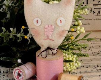 Cat Spool Pincushion Pattern PDF - sewing supply decor