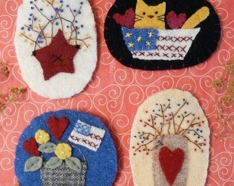PATRIOTIC Wool PINS Pattern PDF - wearable jewelry americana cat berries flag brooch primitive embroidery