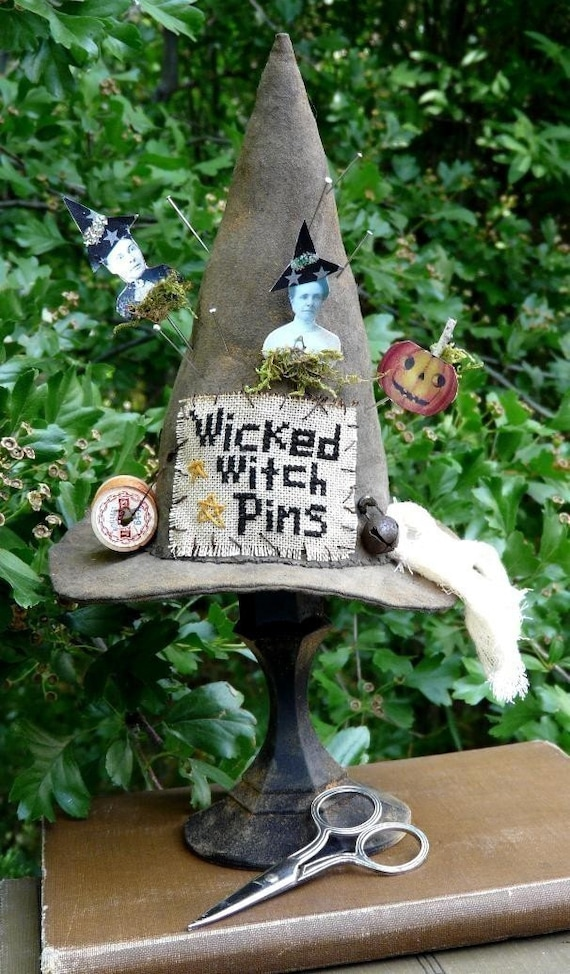 Wicked Witch Pinkeep E pattern - PDF primitive halloween pin cushion old photo cross stitch pumpkin
