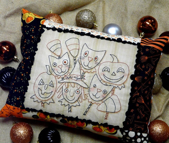 Halloween Ghoul Friends embroidery PDF Pattern - primitive stitchery pillow tuck witch pumpkin black cat candy corn seam binding