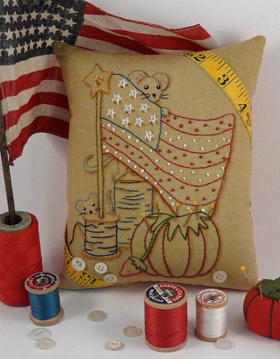 Yankee Doodle Mouse embroidery PDF Pattern - primitive stitchery mice sewing supplies Flag Stars pillow