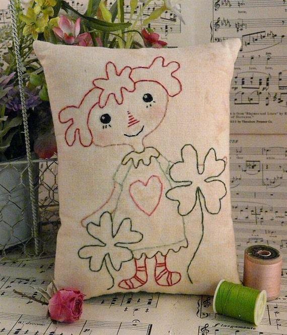 St. Patrick's day embroidery raggedy pattern ann doll PDF - stitchery spring pillow tuck heart felt wool pin cushion decor primitive