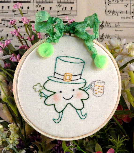 Party Shamrocker PDF Pattern - st. patricks day irish shamrock primitive stitchery hoop embroidery