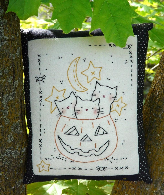 3 Cats Halloween pumpkin embroidery PDF pattern - sheet primitive pillow stitchery hand spider moon stars