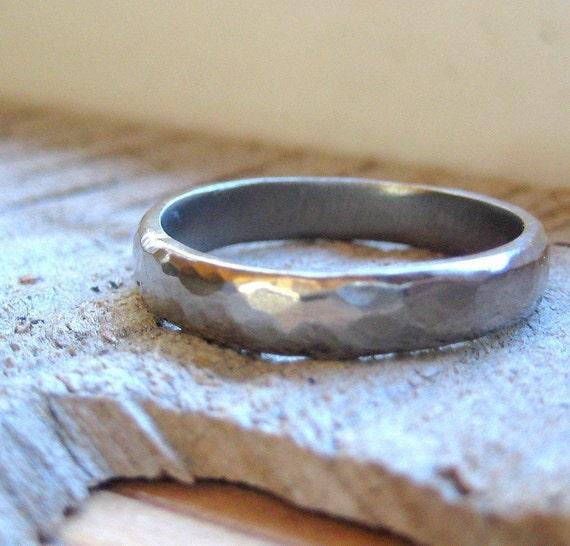 Hammered White Gold Wedding Ring