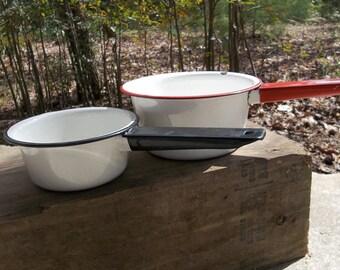 2 Vintage Enamel Bowls White Enamelware Pans Rustic Garden Planters Set of 2 Farmhouse Housewares Garden Decor Primitive Graniteware Setof2