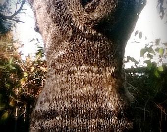 Artemis - Cowlneck Sweater PDF Knitting Pattern for handspun yarn - US 10/11 (8 mm)