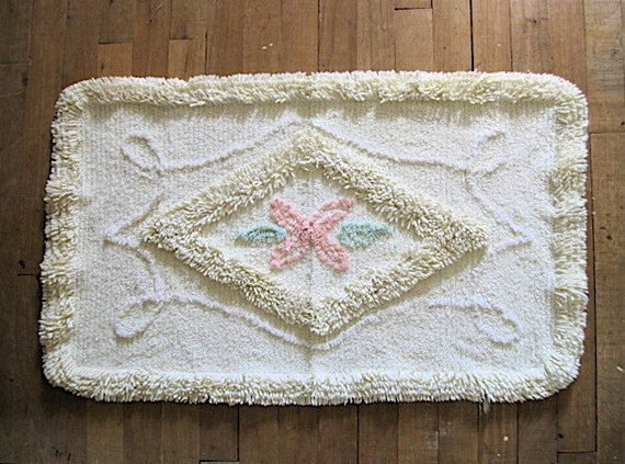 Vintage 1940s Butter Yellow Cotton Chenille Bath Mat Rug