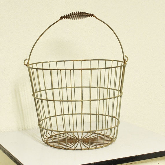 Vintage metal wire basket egg basket round by OldCottonwood : il570xN189553448 from www.etsy.com size 570 x 570 jpeg 64kB