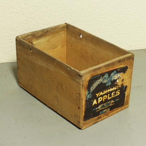 Vintage wood box wood crate apple crate yakima apples for Vintage apple boxes