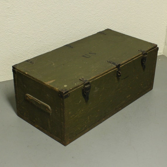 Vintage wood box - wood chest -foot locker - lid - hinged lid - Armed ...
