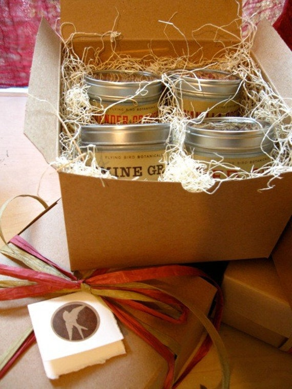 tea gift box... hand-mixed tea blends made with organic teas, herbs & spices