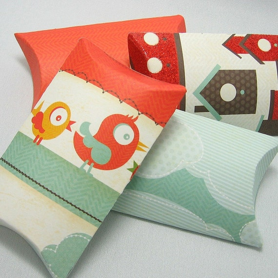 SALE - 4 pillow boxes with tags - Bird's House -