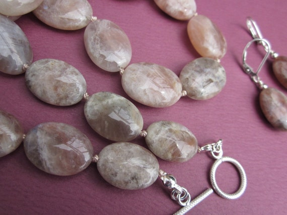 pink moonstone necklace earrings set