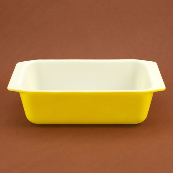 Pyrex Primary Color Yellow Loaf Pan Casserole Dish Vtg
