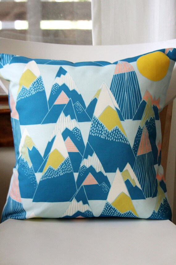 Mountains Removable Throw Pillow Cover