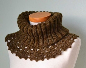 Olive brown knitted cowl with crochet lace trim E446