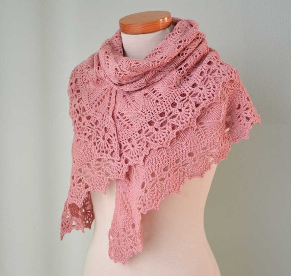 Pink lace knitted merino shawl with crochet trim E461