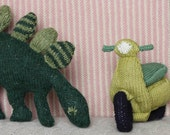KNITTED Vespa Scooter