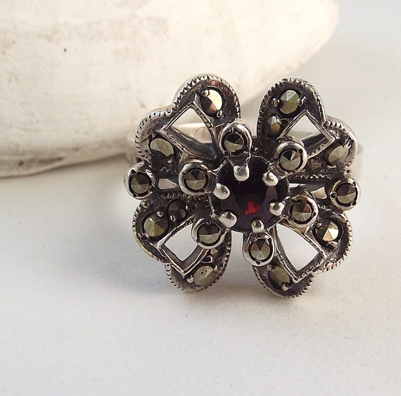 Vintage Sterling Silver Marcasite Ring - Flower or Bow Design with Garnet - Size 8
