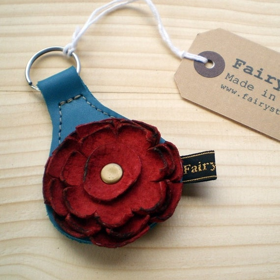Handmade leather Key Fob, Key ring, Turquoise, Poppy red leather, RAGGLEBLOOM by Fairysteps