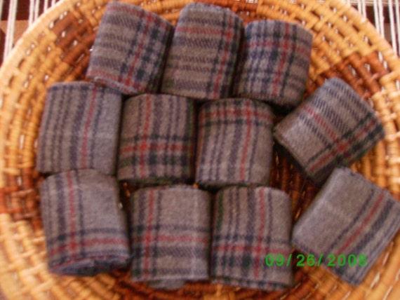 10 Rolls Of Rug Wool Strips Loom Woven Rag Rugs Standing