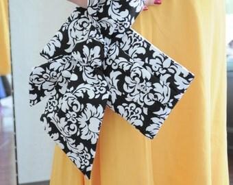 Damask Clutch - The Elle Jane Clutch - black and white, bridal bag, bridesmaids gift idea, wedding purse, formal evening wear clutch