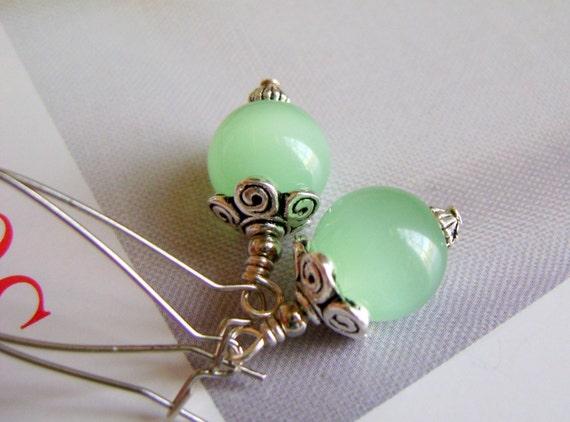 Glowy Pale Green Earrings