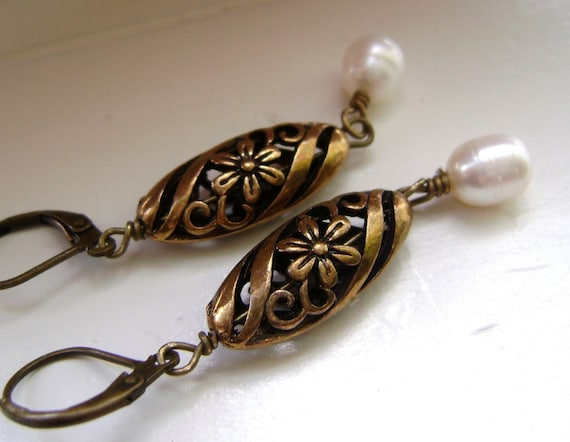 Antique Gold  Earrings, Fresh Water Pearl Earrings, Filigree Earrings