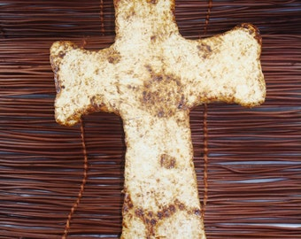 Pulp Cross with Wood Shavings - Coffee Stained