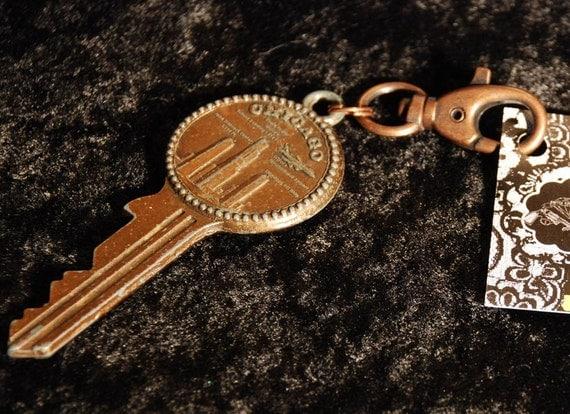 Kitschy Kouture The Key to Chicago Keychain