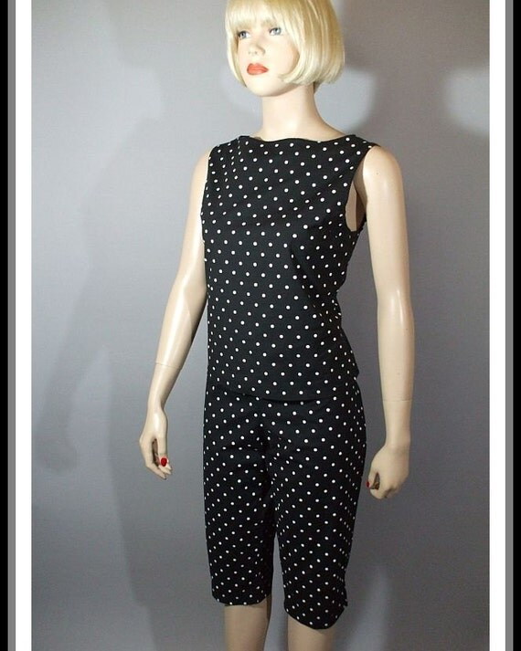 Vintage 80s Does 60s Outfit / Boatneck Top and Capri Pants /  Black & White Polka Dot / S M