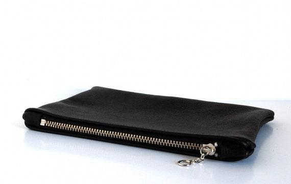 UNISEX black leather pouch