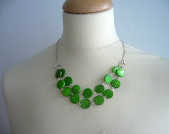 chunky Green and Black mother of pearls necklace