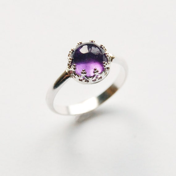 Amethyst Cabochon Ring Set in Silver Size 6 1/2