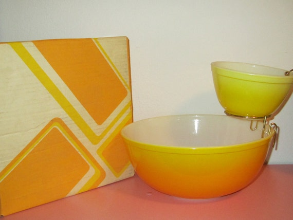 Pyrex Pineapple Party Chip & Dip NEW